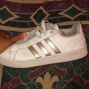 Women's Adidas Advantage Stripes Sneakers